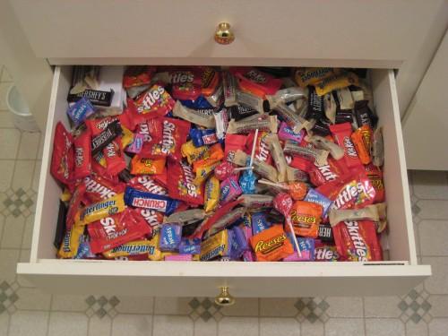 Eine Schublade voller Süßigkeiten
